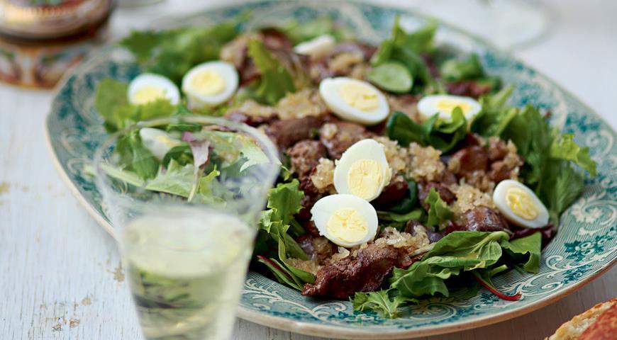 Рецепт Зеленый салат с теплой печенкой цесарки