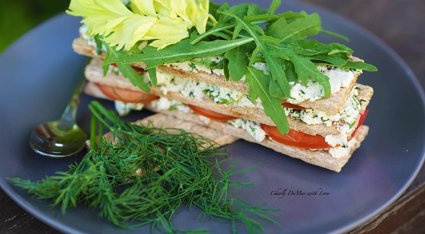 Рецепт Питательные и очень вкусный Миндальный сыр с зеленью!