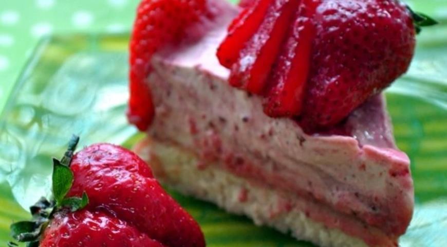 Рецепт Клубничный торт-суфле