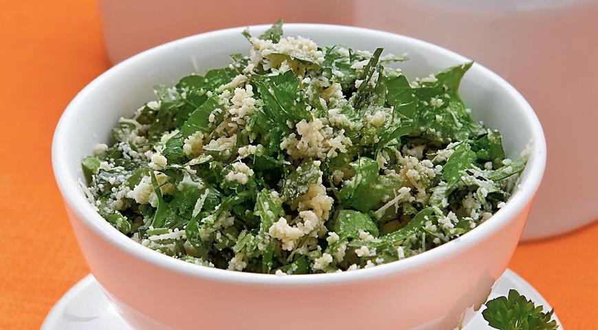 Рецепт Ленивый салат из петрушки и пармезана
