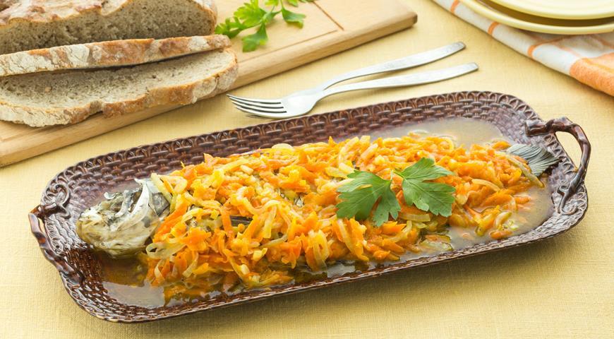 Рецепт Судак, запеченный с морковью