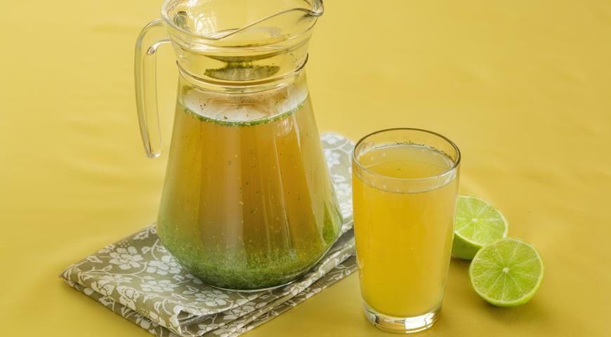 Рецепт Освежающий напиток из огурца с мятой