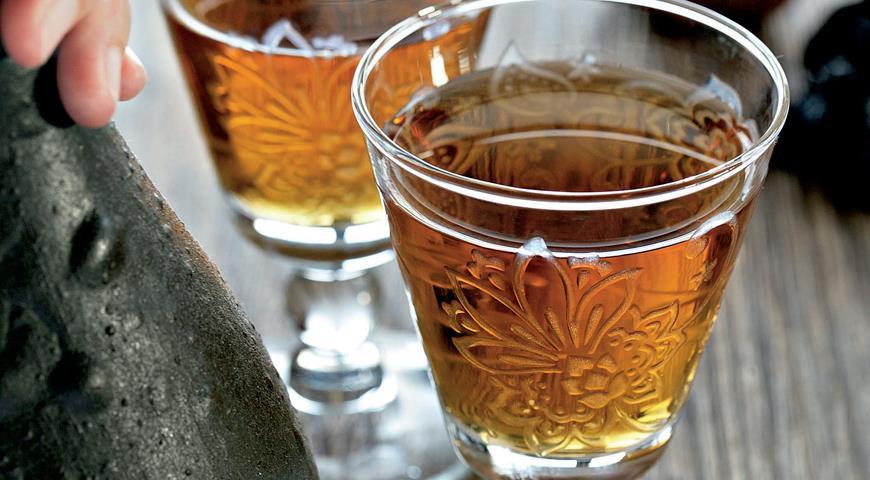 Рецепт Яблочное вино с черносливом