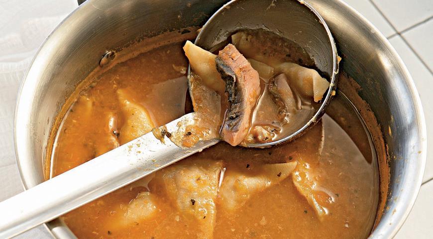 Рецепт Балатонская уха с рыбными пельменями