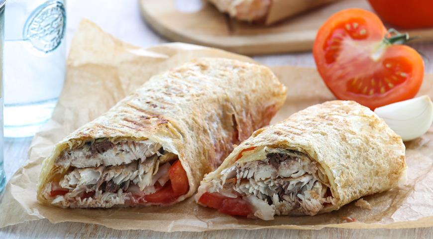 Рецепт Балык экмек, буквально «рыба с хлебом» по-турецки