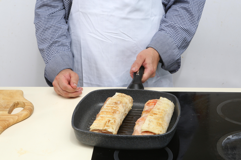 Фото приготовления рецепта: Балык экмек, буквально «рыба с хлебом» по-турецки, шаг №5
