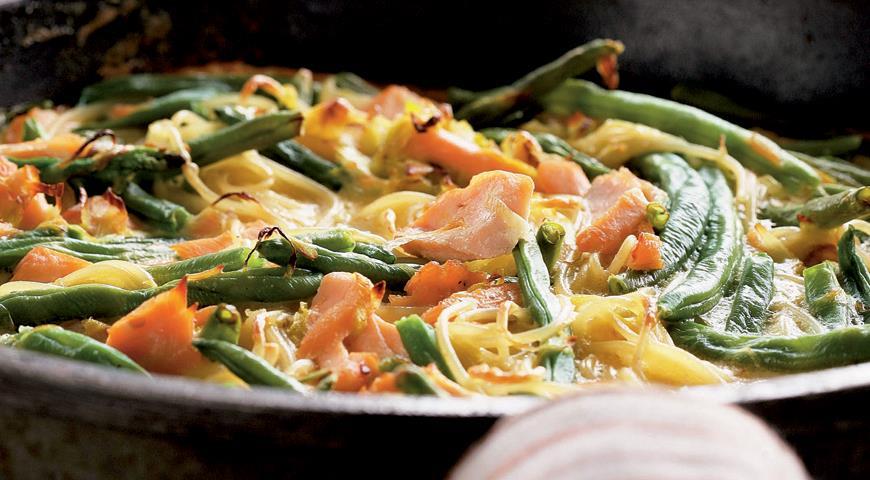 Рецепт Фриттата с лососем и спагетти
