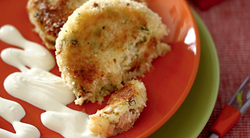 Рецепт Картофельные пирожки с лососем