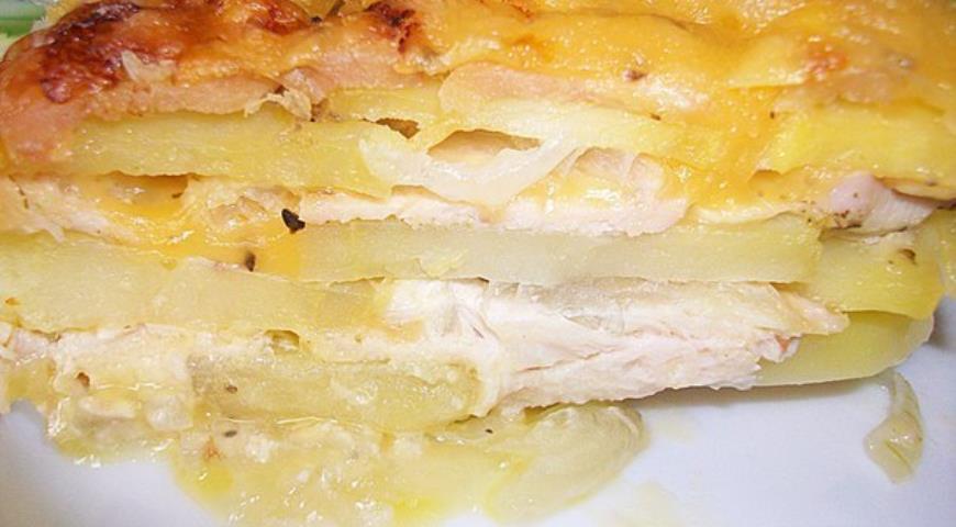 Запеканка с куриным фаршем и картофелем в духовке пошагово