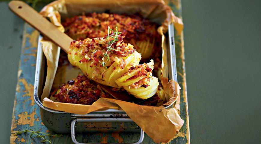 Шашлык из картофеля с беконом – кулинарный рецепт