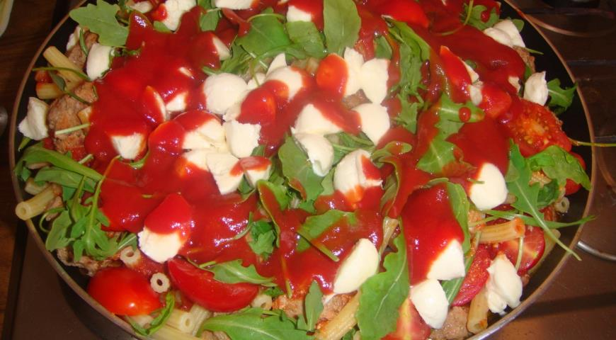 Рецепт Домашняя паста с фрикадельками и моцареллой