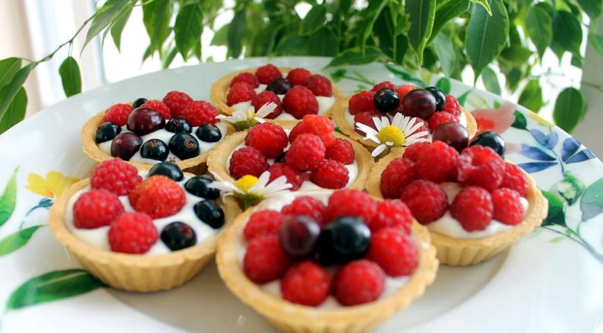 Рецепт Тарталетки с ягодами и кремом