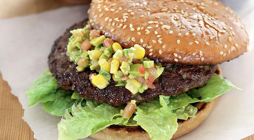 Рецепт Гамбургеры с сальсой из авокадо