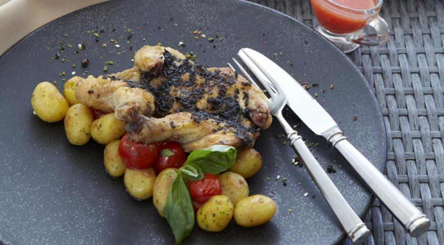 Рецепт Жареный цыпленок с тапенадом от Алексея Семенова