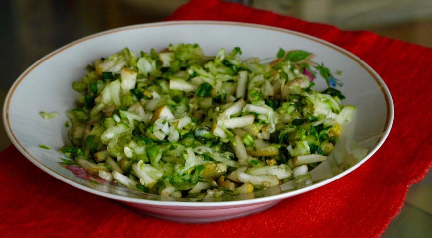 Рецепт Летний экспромт (летний салат с грушей)