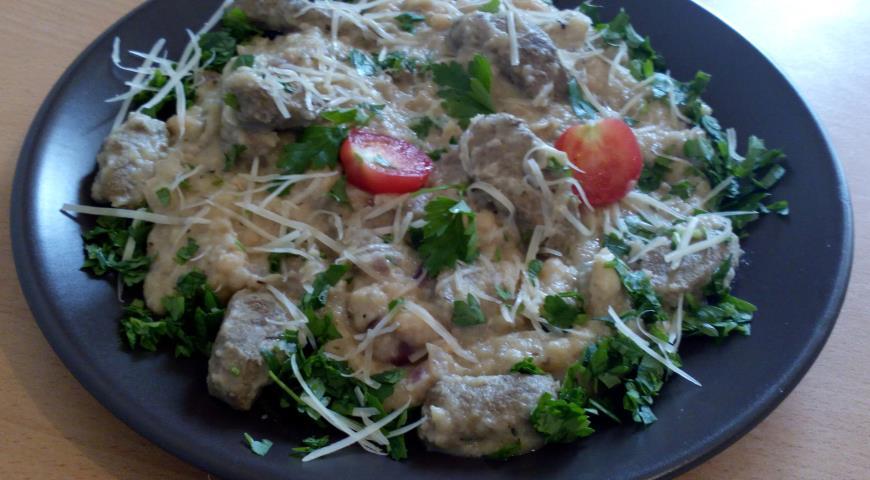 Рецепт Печень говяжья с пюре из сельдерея и фасолью в сливочном соусе