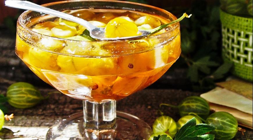 Рецепт Янтарное варенье из зеленого крыжовника