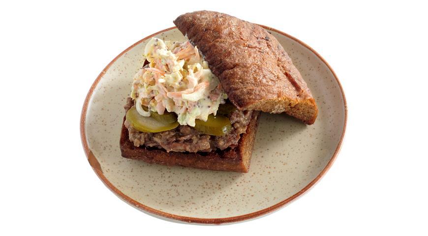 Рецепт Бутерброд с тушенкой на ржаном хлебе