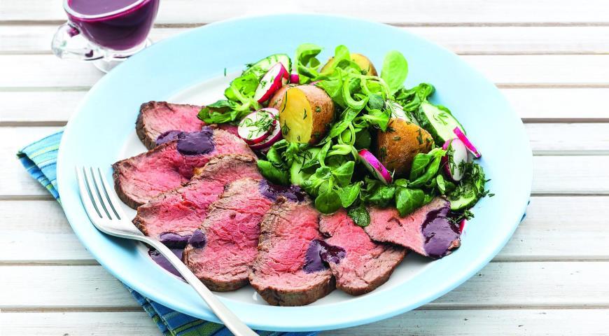 Рецепт Говяжья вырезка с салатом