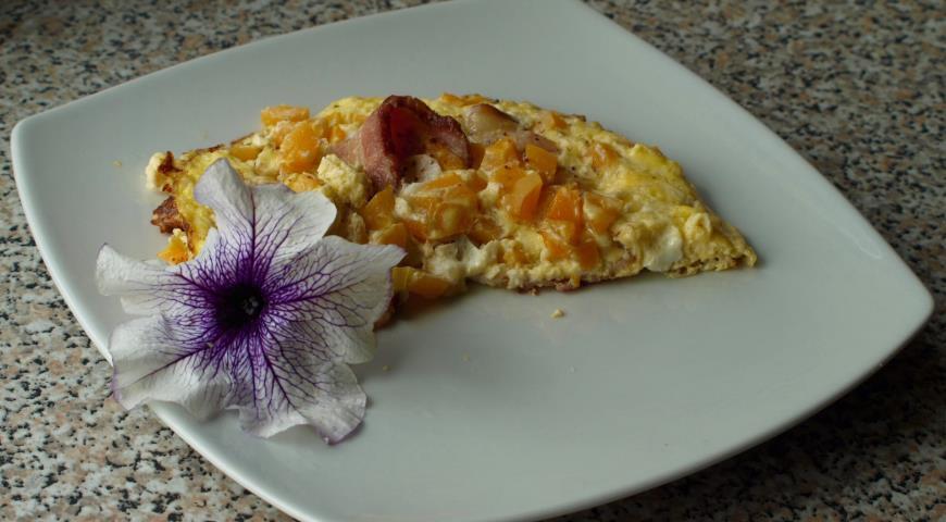 Рецепт Омлет с беконом и абрикосами