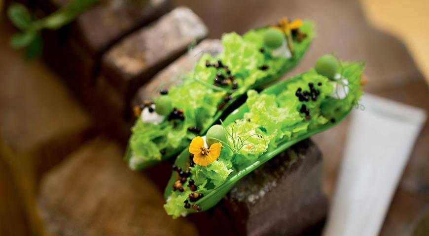 Бисквит из зеленого горошка с овечьим сыром от Владимира Мухина, пошаговый рецепт с фото