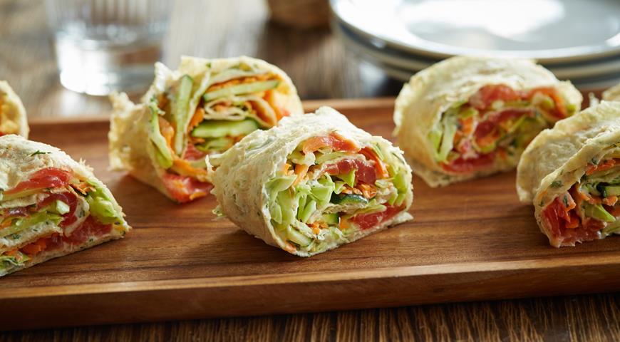Рецепт Роллы с рыбой, капустой и морковью