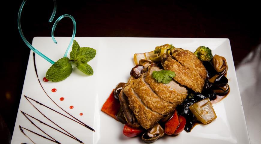 Рецепт Филе утки с овощами в устричном соусе