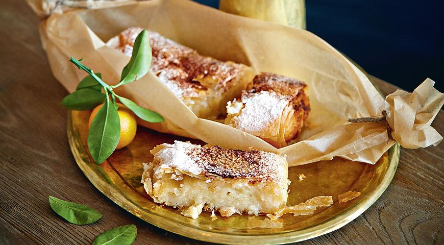 Рецепт Бугаца, пирожное из слоеного теста с манным кремом