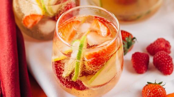 алкогольный коктейль с мороженым в домашних