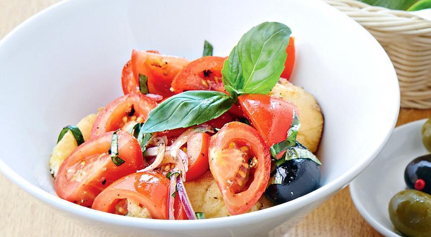 Рецепт Деревенский салат из помидоров с чиабаттой