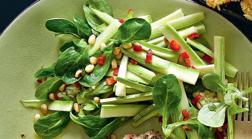 Рецепт Пряный салат из кабачков и корна