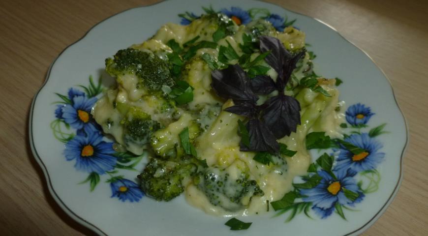 Рецепт Брокколи в сырном соусе