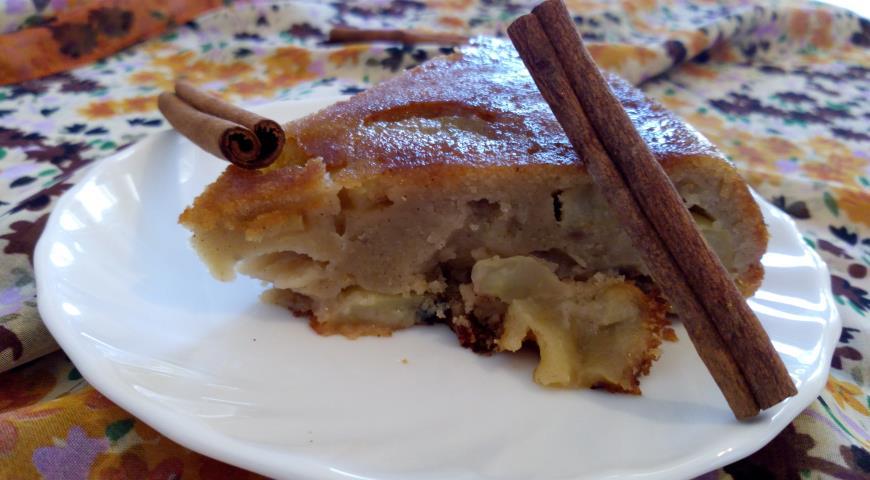 Рецепт Яблочная шарлотка с пропиткой из грушевого шнапса и меда
