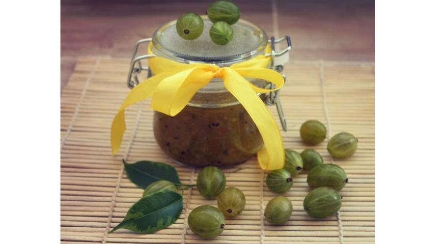 Рецепт Варенье из крыжовника с грецким орехом и апельсином
