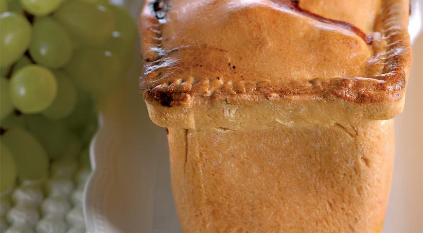 Рецепт Пирог с ветчиной и виноградом