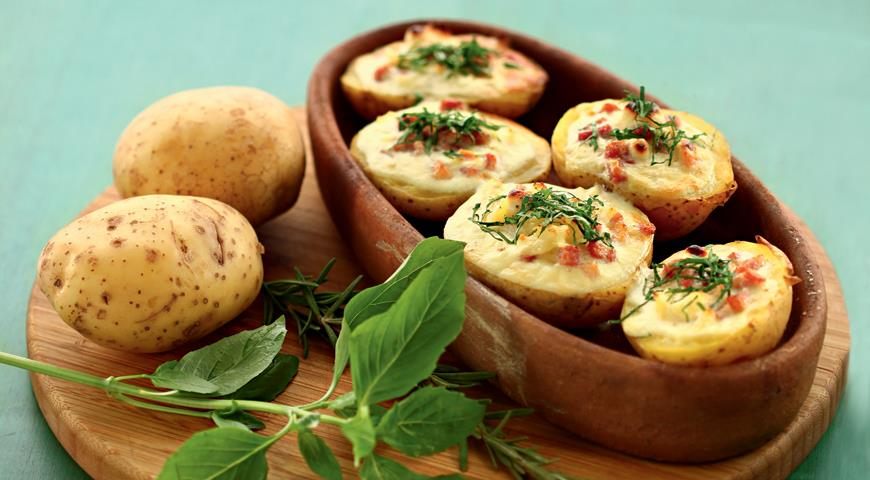Рецепт Запеченный в духовке картофель с яйцами и ветчиной