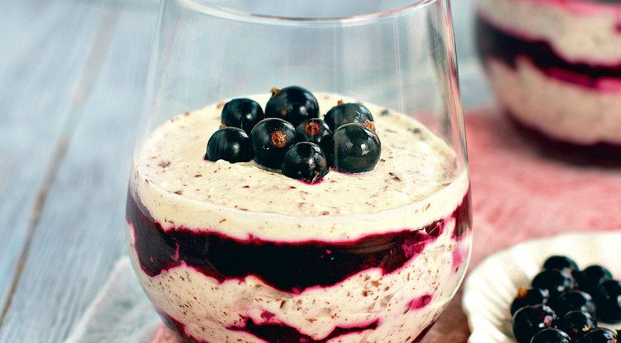 Рецепт Творожный десерт со смородиной и медом