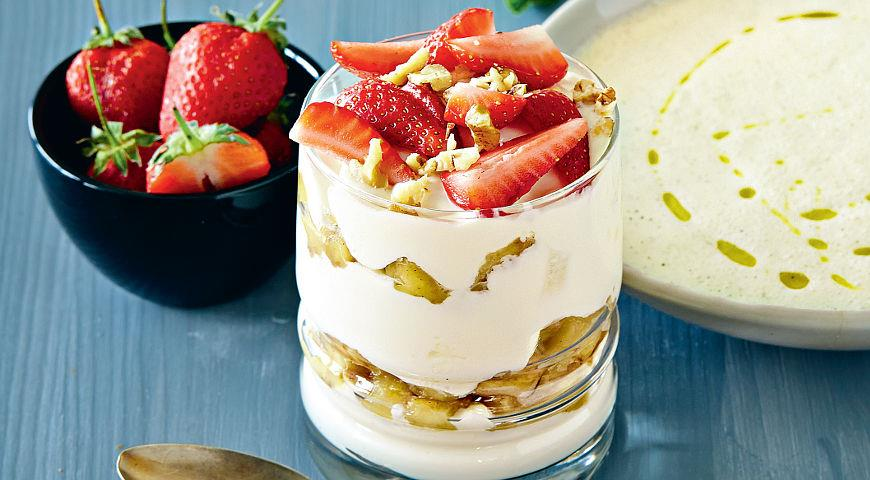 Рецепт Десерт из йогурта с карамелизированными бананами
