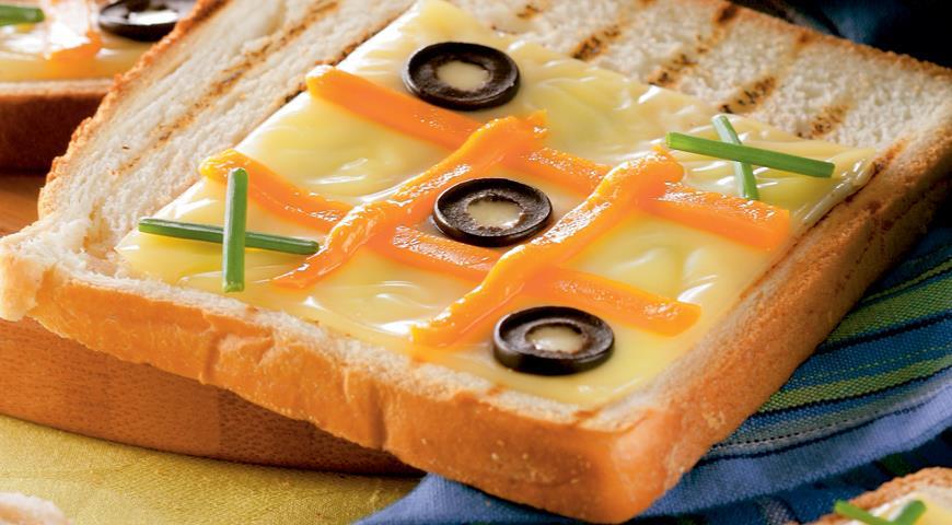 Рецепт Тост «крестики-нолики»