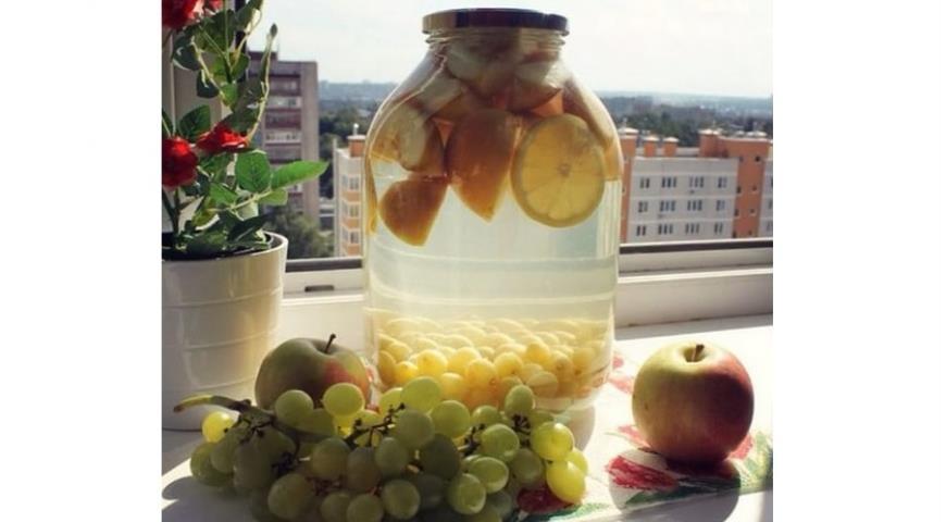 Рецепт Компот из винограда с яблоками в зиму