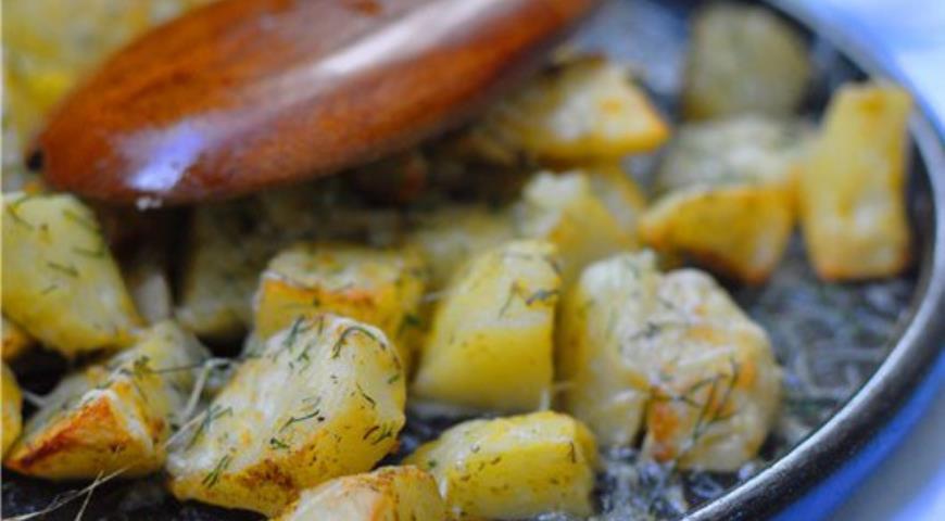 Рецепт Запеченная чесночная картошка в пармезановой корочке