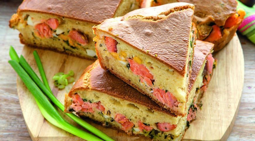Рецепт Пирог с лососем, яйцами и зеленью