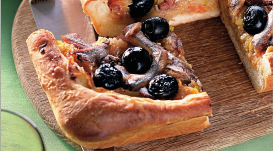Рецепт Писсаладьер, французский луковый пирог с анчоусами