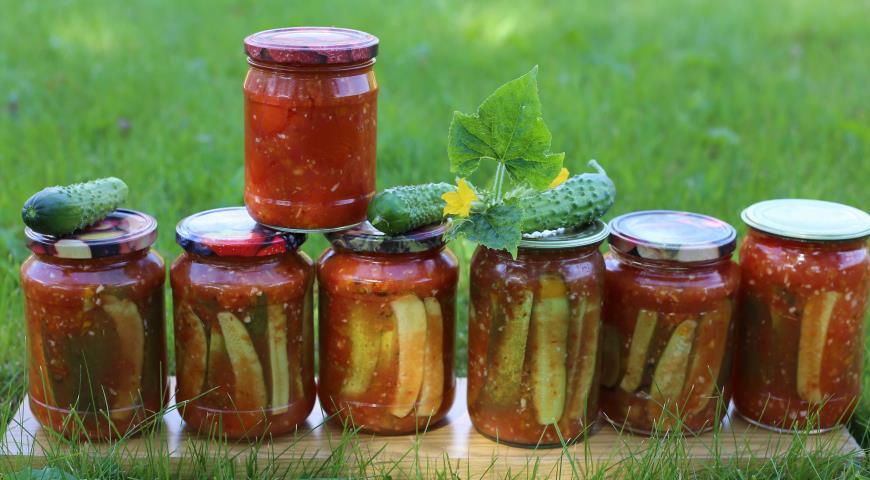 Рецепт Огурцы в чесночно-томатной заливке
