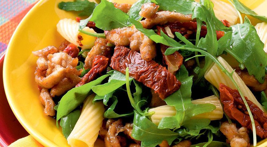 Рецепт Салат с курицей, жаренной в корочке из прованских трав