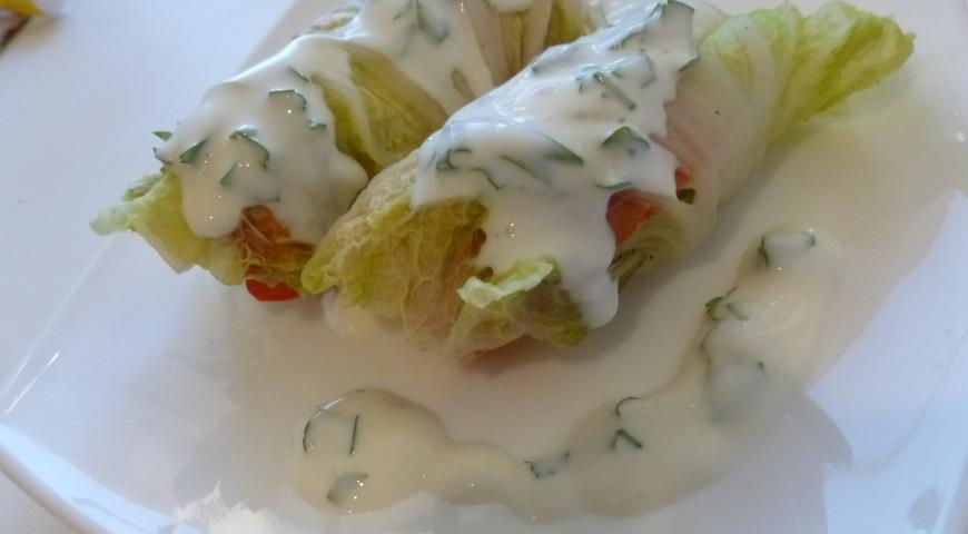 Рецепт Паровые рулеты с рыбой и овощами и йогуртовым соусом