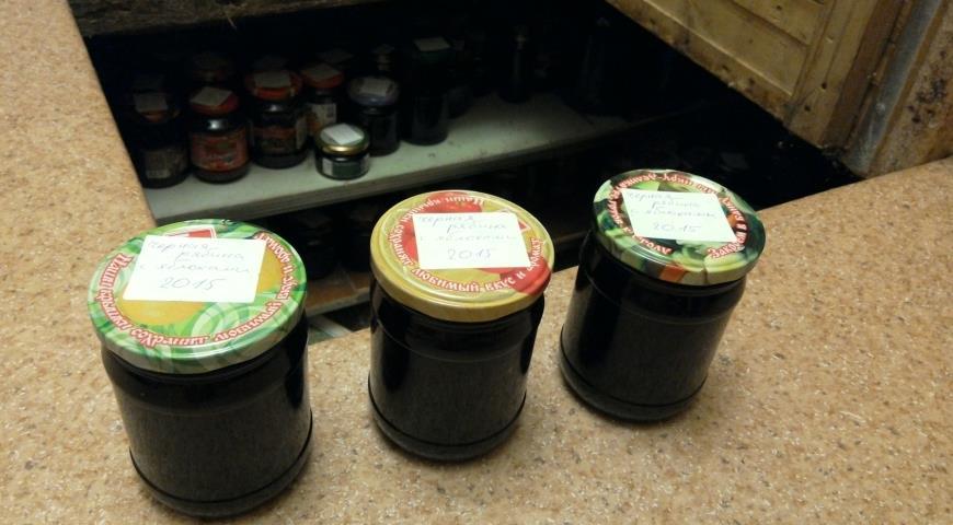 Рецепт Выренье из черноплодной рябины с яблоками