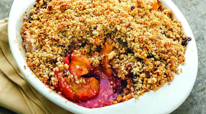 Рецепт Пирог-крошка с фруктами и фундуком