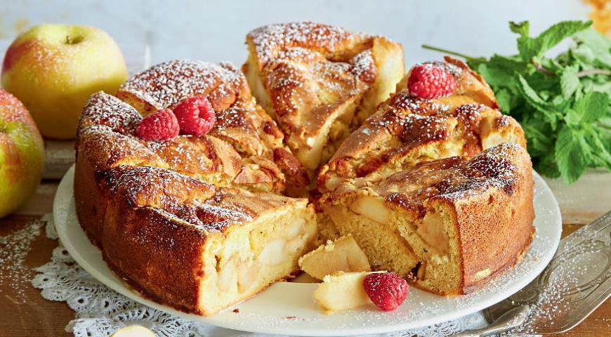 Рецепт Шарлотка с яблоками и ванилью