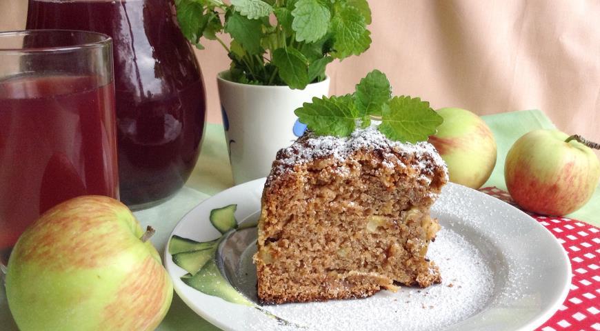 Рецепт Ароматная яблочная шарлотка с облепихой